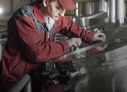Обслуживание и ремонт оборудования